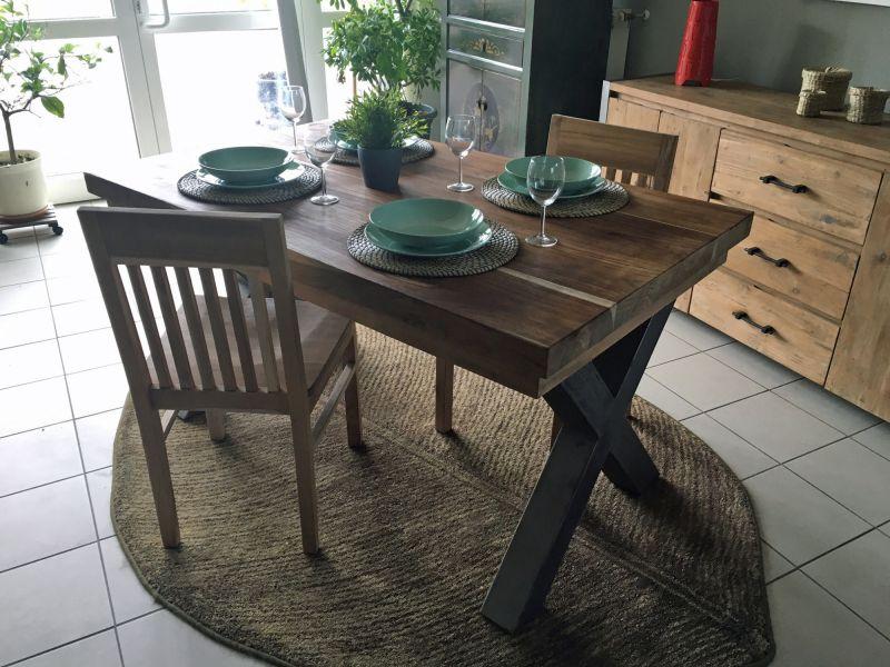 tische couchtische b nke st hle hocker. Black Bedroom Furniture Sets. Home Design Ideas